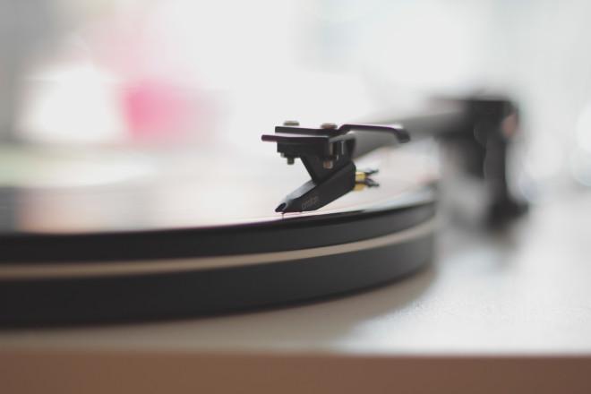 vintage-technology-old-sound-2